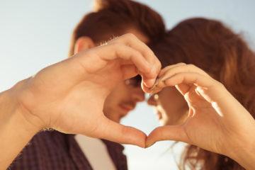 29 романтических жестов для него, чтобы сохранить отношения.