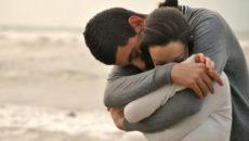 Как обниматься со своим парнем: виды обнимашек.